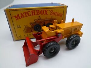 VINTAGE MATCHBOX LESNEY No.43b AVELING BARFORD TRACTOR IN ORIGINAL BOX 1962