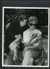 DORIS DAY WORKS ON CROSSWORD PUZZLE CANDID - 1960 PLEASE DON'T EAT THE DAISIES