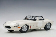 Jaguar E-Type Coupe Lightweight 1963 White AUTOART 1:18 AA73649