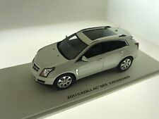1:43 Cadillac Srx 2011 Model.Luxury Collectables In White