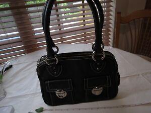 Marc Jacobs leather black hand handbag shoulder bag purse broken buckle silver