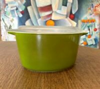 Vintage 1950's Pyrex 473 Casserole Dish with Lid Green