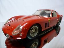REVELL FERRARI 250 GTO 1964 - RED 1:12 - GOOD CONDITION