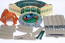 Thomas & Friends Engine Powered TRACKMASTER TIDMOUTH SHEDS 2010 MATTEL