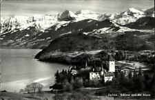 Spiez Kanton Bern Postkarte 1962 gelaufen Blick auf das Schloss und Alpen See