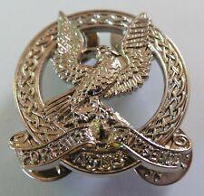 NICE IRISH AIR CORPS - WHITE METAL COLLAR BADGE - DEFENCES FORCE OF IRELAND