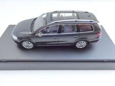 2011 Volkswagen VW Passat B7 Combinación variable gris 1 43 Schuco dealer