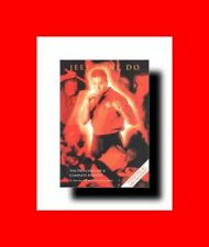 MARTIAL ARTS BOOK:JEET KUNE DO-THE PRINCIPLE OF A COMPLETE FIGHTER-STREET%COMBAT