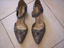 "Chaussures femme pointure 38 neuves ""Trinity"""