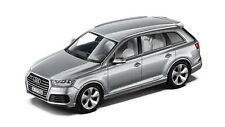 Original Audi Q7 4M Model Car 1:43 Florett Silver Model Audi Q7 TYP 4M Silver