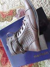 NEW STEVE MADDEN MADDEN GIRL ADDYSON ANKLE BOOTS WOMENS 7 PERFORATED BOOTIES