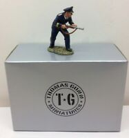 THOMAS GUNN KM003A 1:30 SCALE GERMAN KRIEGSMARINE SAILOR OFFICER WITH GUN MIB