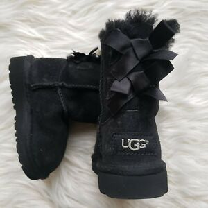 UGG 6 T Toddler Bailey Bow Size 6 Girls Boot, Black UGGS