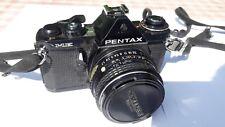 Pentax ME analoge Spiegelreflexkamera mit zwei Objektiven