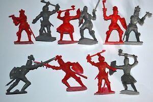 Unpainted Plastic figures  Cherilea Knights 58mm 2 lots (20 figures)