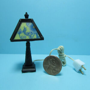 Dollhouse Miniature 12v Electric Tiffany Floral Blue & Yellow Table Lamp MH1046