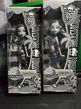 Monster High SKULL SHORES Frankie Stein Special BLACK & WHITE Edition Doll NEW !