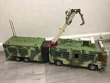 Vintage Jurassic Park Lost World Mobile Command Center Trailer RV Playset Kenner