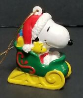 SNOOPY Sleigh Ornament Christmas Tree  Peanuts United Feature Syndicate Vintage