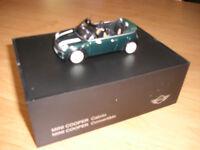 Modellauto MINI Cooper  Cabrio  R52 british racing green M 1:43  Minichamps