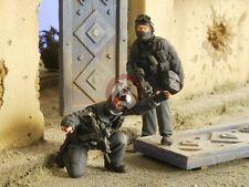 Verlinden 1/35 US Navy SEAL Team in Black Fatigues Engaging (2 Figures) 2678