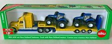 1805 FARMER SIKU Truck Semi Low Loader  2 x New Holland T7070 Tractors 1:87
