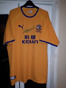 2003-04 Everton Away Shirt  Signed by Wayne Rooney in Adult size XXL.