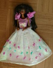 Barbie Mattel dunkelhäutig tolles Kleid weiß lang dunkle Mähne