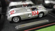 MERCEDES BENZ 300 SLR TARGA FLORIO 1955 au 1/18 MAISTO 36613 voiture miniature