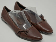 New BORN Women's Size 7 Brown Leather Bow Detail Flats