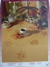 Weihnachtliche Tischdecke vorgezeichnet Rico Design 31067 Stickpackung Stickgarn