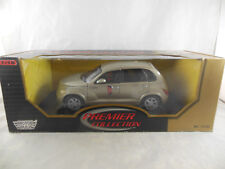 Motor Max Chrysler GT Cruiser in Light Gold Scale 1:18 Ref 73100 Premiere Collec