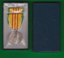 US VIETNAM SERVICE MEDAL and RIBBON ORIGINAL BOX 69