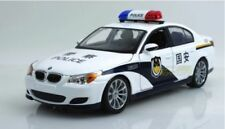 Voitures, camions et fourgons miniatures blancs cars BMW