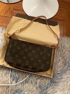 Authentic Louis Vuitton Pochette Handbag