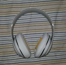 BEATS STUDIO 2 WIRED HEADPHONES WHITE *USED* AND CARRYING CASE BUNDLE