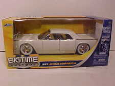 1963 Ford Lincoln Continental Diecast Car 1:24 Jada Toys 8 inch CREAM White Wall
