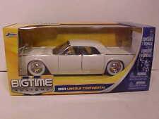 1963 Ford Lincoln Continental Diecast Car 1:24 Jada Toys 8 inch CREAM White Wall
