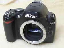 Nikon D D40 Digital SLR Camera - Black (Body only) very low shutter count 5552