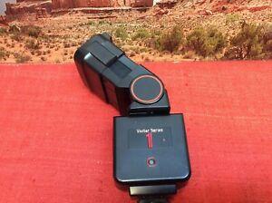 Vivitar Series 1 600 M/P/O Flash dedicated Zooming Swiveling Head - Tested