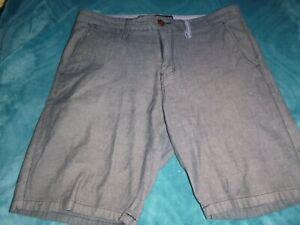 Mens Size 32 Billabong Shorts