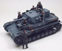 WWII German Panzer IV Ausf D with Six Figures 1/35 Scale Built-Up Model Kit