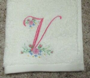 """LADIES MONOGRAMMED INITIAL """"V"""" FACE WASHER"""