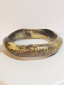 ANTIQUED RUSTIC 80'S SMOOTH BROWN & YELLOW NEUTRAL COLOR WOODEN BANGLE BRACELET