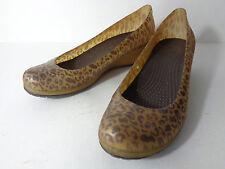 CROCS Carlisa Womens 9M Brown Gold Cheetah Print Wedge Pump Shoe