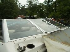 Bayliner Capri port and center Front Folding Windshield