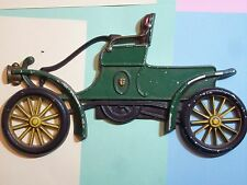 AUTOMOBILE CAR CAST IRON WALL HANGER PLAQUE DECORATION GREEN SIMILAR TO 1899 LOC