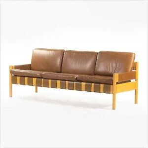 1976 Nicos Zographos Saronis Leather Sofa from Hugh Stubbins Library