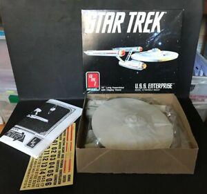 STAR TREK U.S.S ENTERPRISE SHIP VINTAGE MODEL KIT BY AMT ERTL