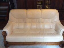Canapé en cuir ivoire et ses 2 fauteuils
